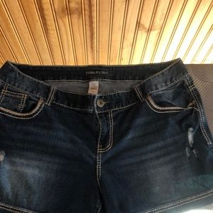 Maurices 20 distressed shorts